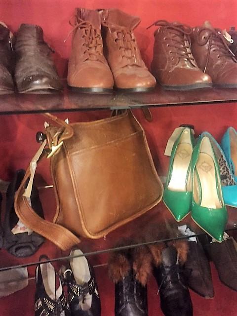 Coach bag thrift shopping