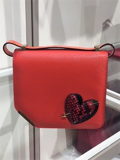 Bags to wear on holiday found at Bicester Village
