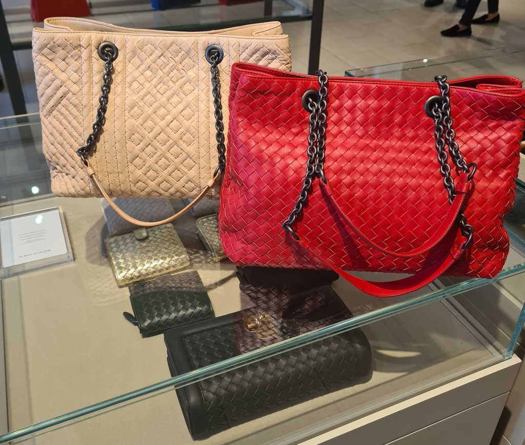 Discount designer bags for AW'20 including a red tote bag from Bottega Veneta