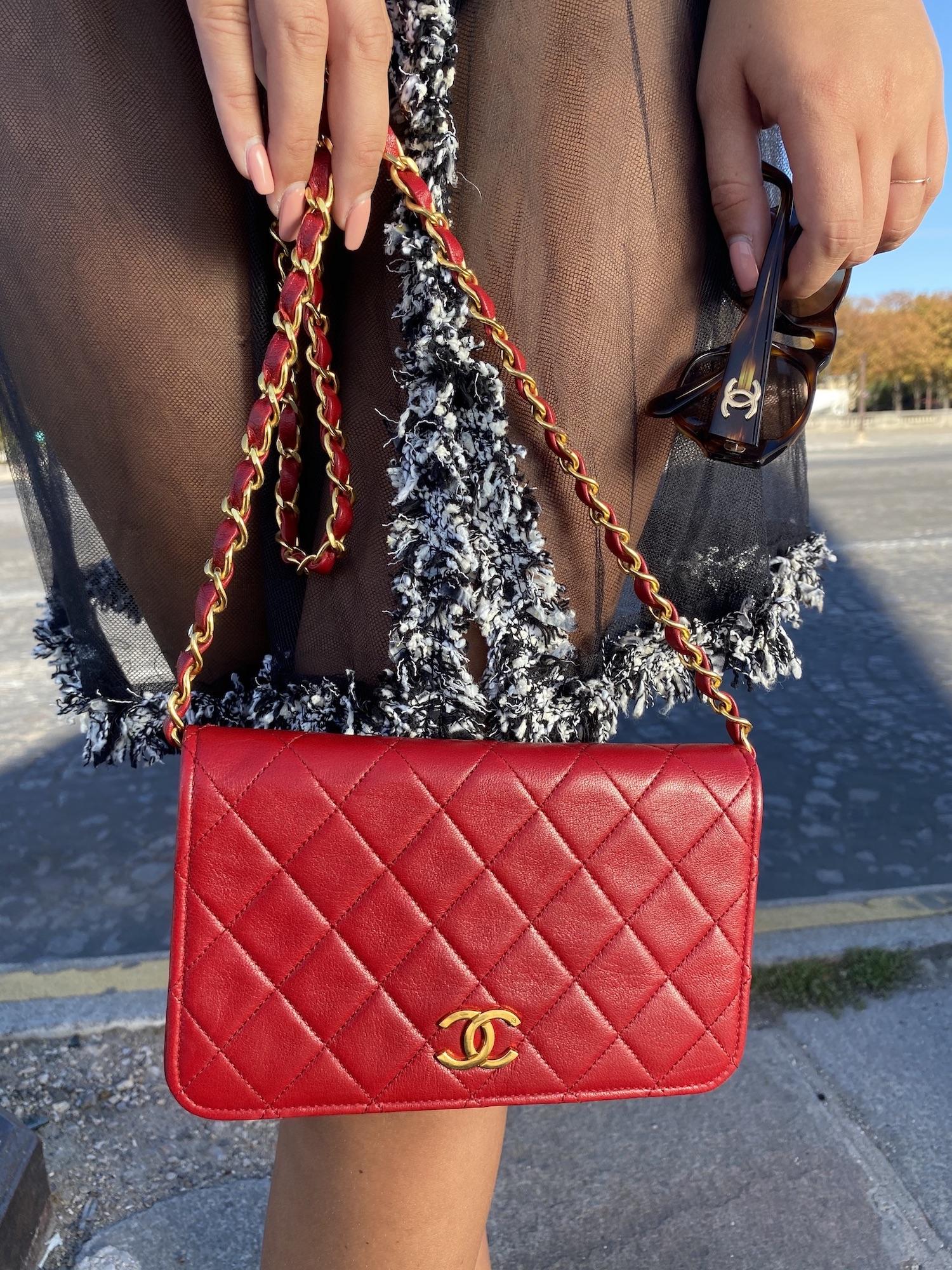 Get 15% of vintage designer bags